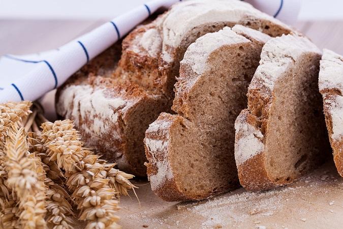 Dlaczego warto jeść chleb na zakwasie?